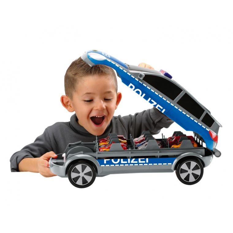 Игрушку в машину